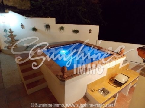 with 3 bedrooms in Guaro