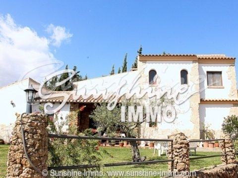 Country property with 3 bedrooms, own pool and stunning views in Alhaurin el Grande