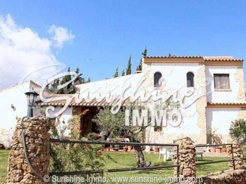 Ländliche Finca mit 3 Schlafzimmern, Pool und herrlichem Ausblick in Alhaurin el Grande