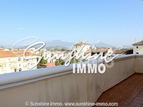 Penthouse with 2 bedrooms and own garage in a central area of Coín