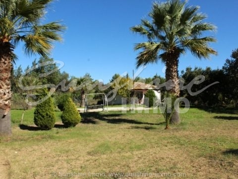 Two houses on a fenced flat plot of 11000M2 offers this property in Coin, with the new certificate AFO