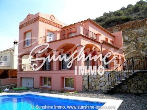 Villa enorme 420 m2 de 4 dormitorios en Coín