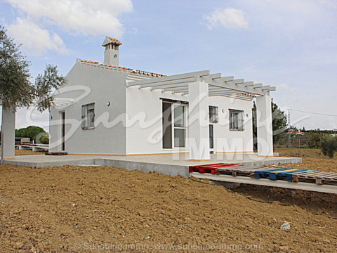 Newly built 2 bedroom country house just 2 km distance to the main road with horse license OCA, horse stables and 6000m2 fenced land.
