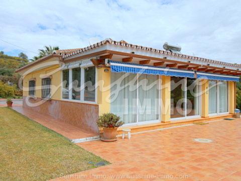 Encantadora casa de campo en Viña Borega, Coin. 140m2 construidos en parcela de 6.000m2 y piscina privada con sistema de nado contracorriente