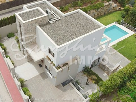 New construcción Villa 321m2 contemporary style in Coin. 3 floors, 3 bedrooms, private pool on a plot of 600m2