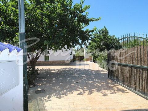 Zu vermieten Landhaus in Cortijo Los Fernandez, Coin. 4 Schlafzimmer, 400 m2 Grundstück, BBQ, Terrasse