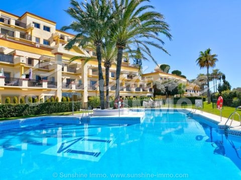 Front line beach studio apartment in Romana playa, Elviria. Fully renovated and furnished in 2017. Beautiful views to the Mediterranean Sea. Next to Nikki Beach and Don Carlos Resort