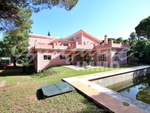 Traditionelle andalusische Villa von 444 m2 im Bau, auf einem großen privaten Grundstück von 2000 m2 in der Hacienda Las Chapas