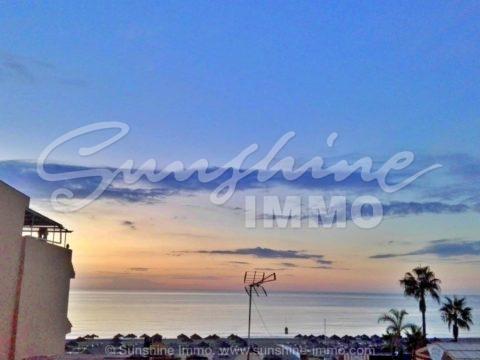 Wonderful studio 1 minute walk from Carihuela beach, overlooking the sea.