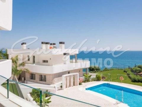 New built, modern 3 bedroom 3 bathroom apartment with amazing sea views with 39 residential units in Las Lagunas de Mijas Costa.