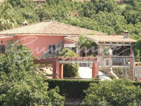 Nice, semi-furnished, country house in Coín, El Rincón.