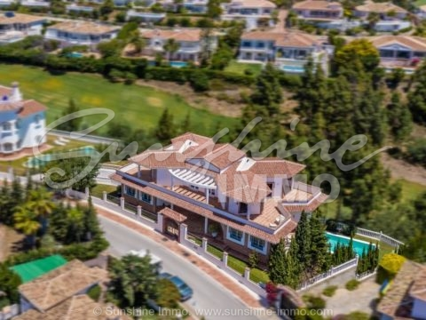 Only 700meters from the beach, luxurious frontline golf villa, 588m2, with amazing sea, on a plot of 1.161m2, in sought after, tranquil, residential area, only a short drive from La Cala de Mijas.