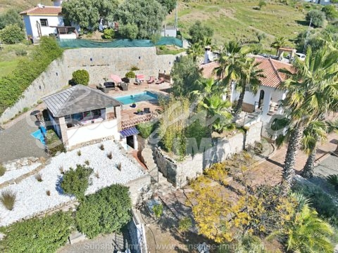 Fantastic property 2483m2 close to the center in Monda, with fantastic views of the mountains and Monda.