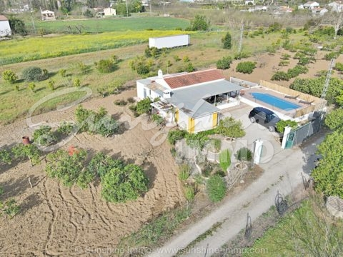 Spanish finca near the Rio Grande in a very idyllic area with good access road in Coin.