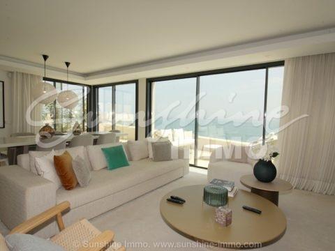 Luxus – Frontline Beach 164 m2 Penthouse Apartment im Herzen von Estepona, der neuen und aufstrebenden trent Stadt, nur 20 Autominuten östlich von Marbella.
